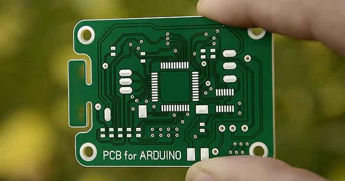 عوامل تعیین کننده در قیمت ساخت برد مدار چاپی (PCB)